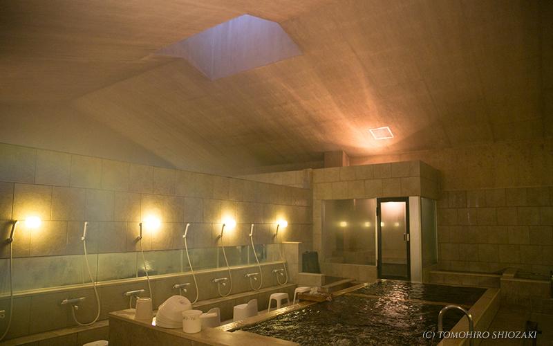 蓬萊湯・女風呂からの天窓